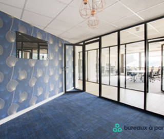 Bureau fermé 131 m² 32 postes Location bureau Rue Royale Saint-Cloud 92210
